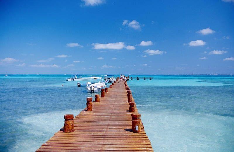 Pulahda turkoosiin veteen Cancunissa. #Mexico #Cancun