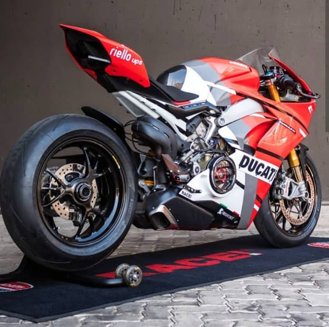 Specimen Custom V4 By Our Friends Race1 In South Africa 2 Pics Ducatistagram Ducati Panigale V4 Ducati Panigale Ducati Moto Ducati