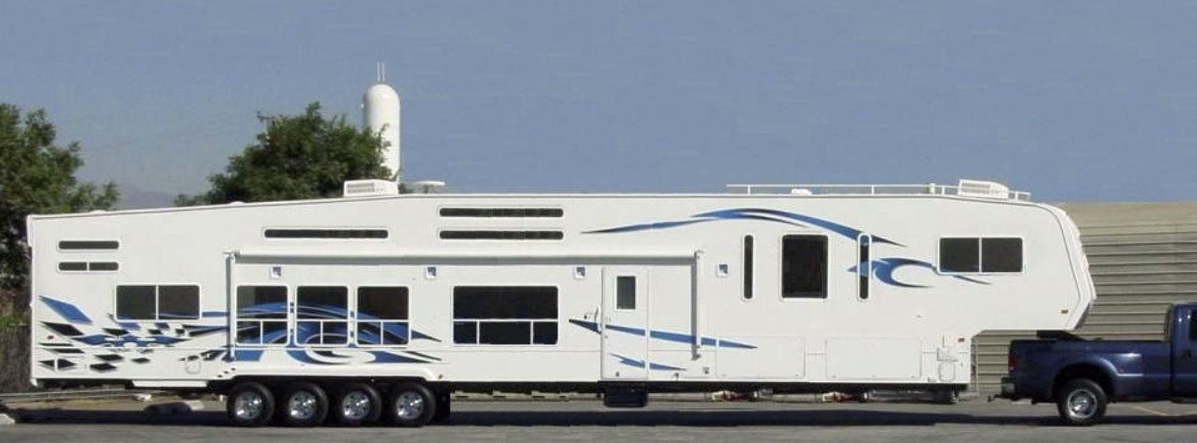 It S Just Not Long Enough Weekend Warrior Fifth Wheel Campers Fifth Wheel Trailers Toy Hauler Camper