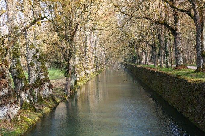 Quiet Canal at Chateau de...: Photo by Photographer John Teele - photo.net