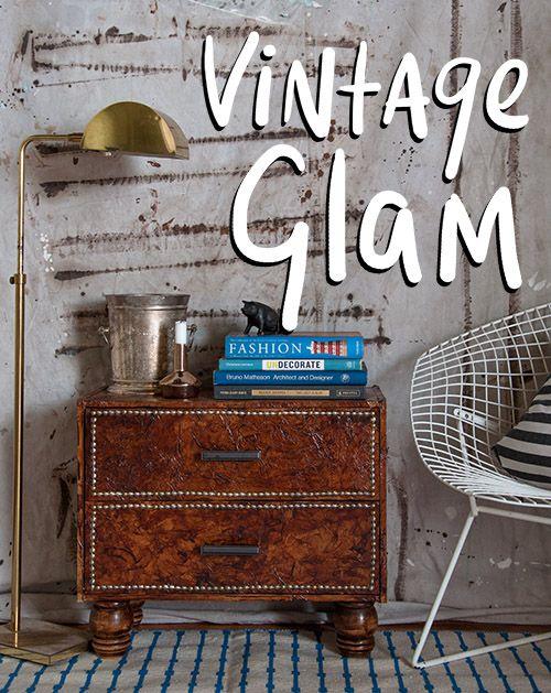 cabinet_vintage_glam con trozos de bolsas de papel arrugado, simulando cuero.