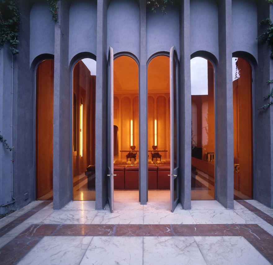 Una vecchia fabbrica diventa la straordinaria dimora dell'architetto spagnolo Ricardo Bofill