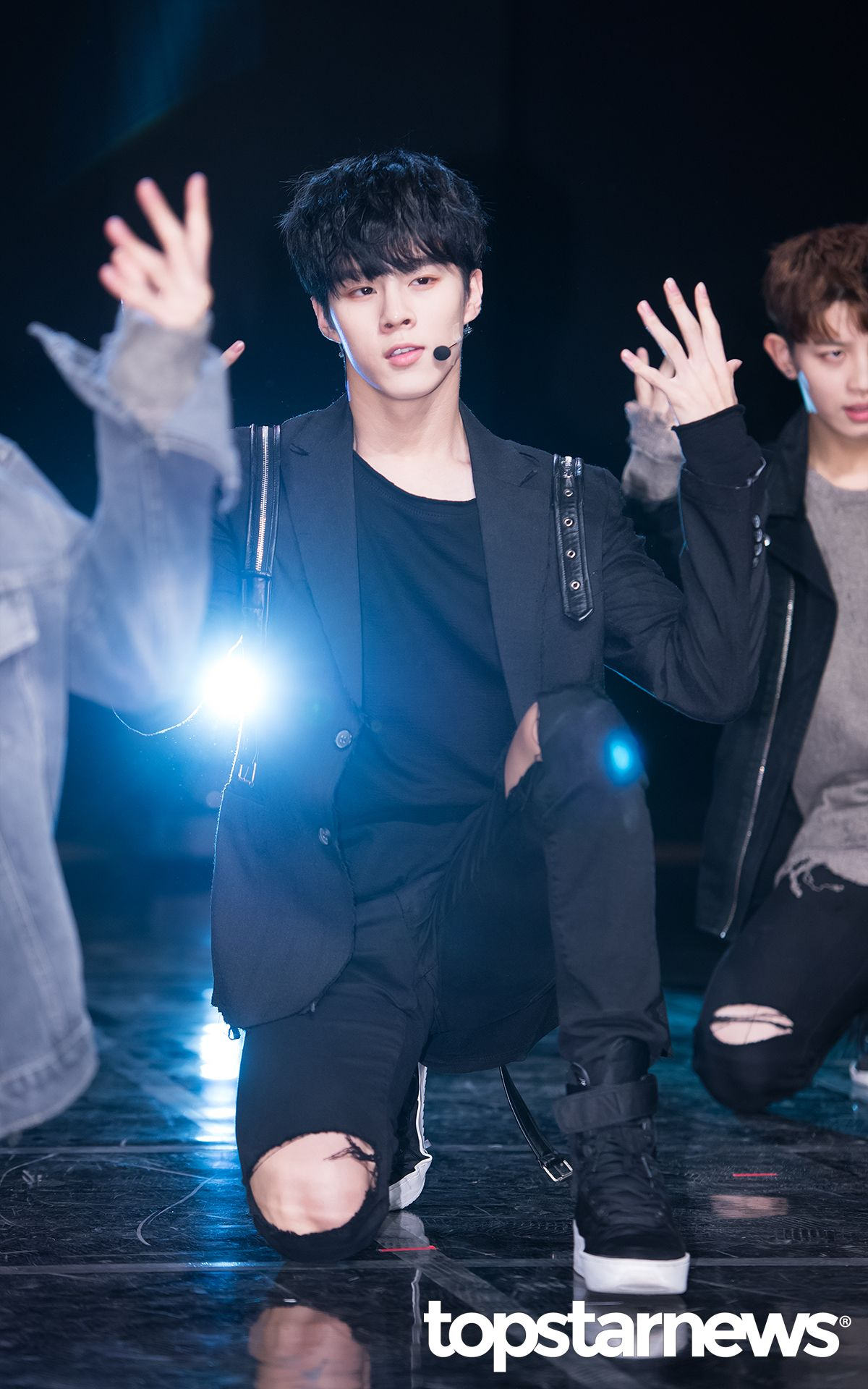 [NEWS] UP10TION 'BURST' SHOWCASE - UP10TION  Wooshin #업텐션 #UP10TION #BURST #Wooshin #우신