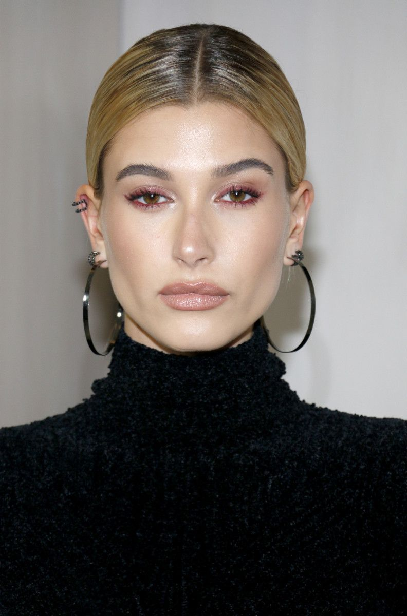 Photo of From Winged Eyeshadow to Bright Eyeliner: 27 of the Best Skin, Hair and Makeup Looks Lately, …