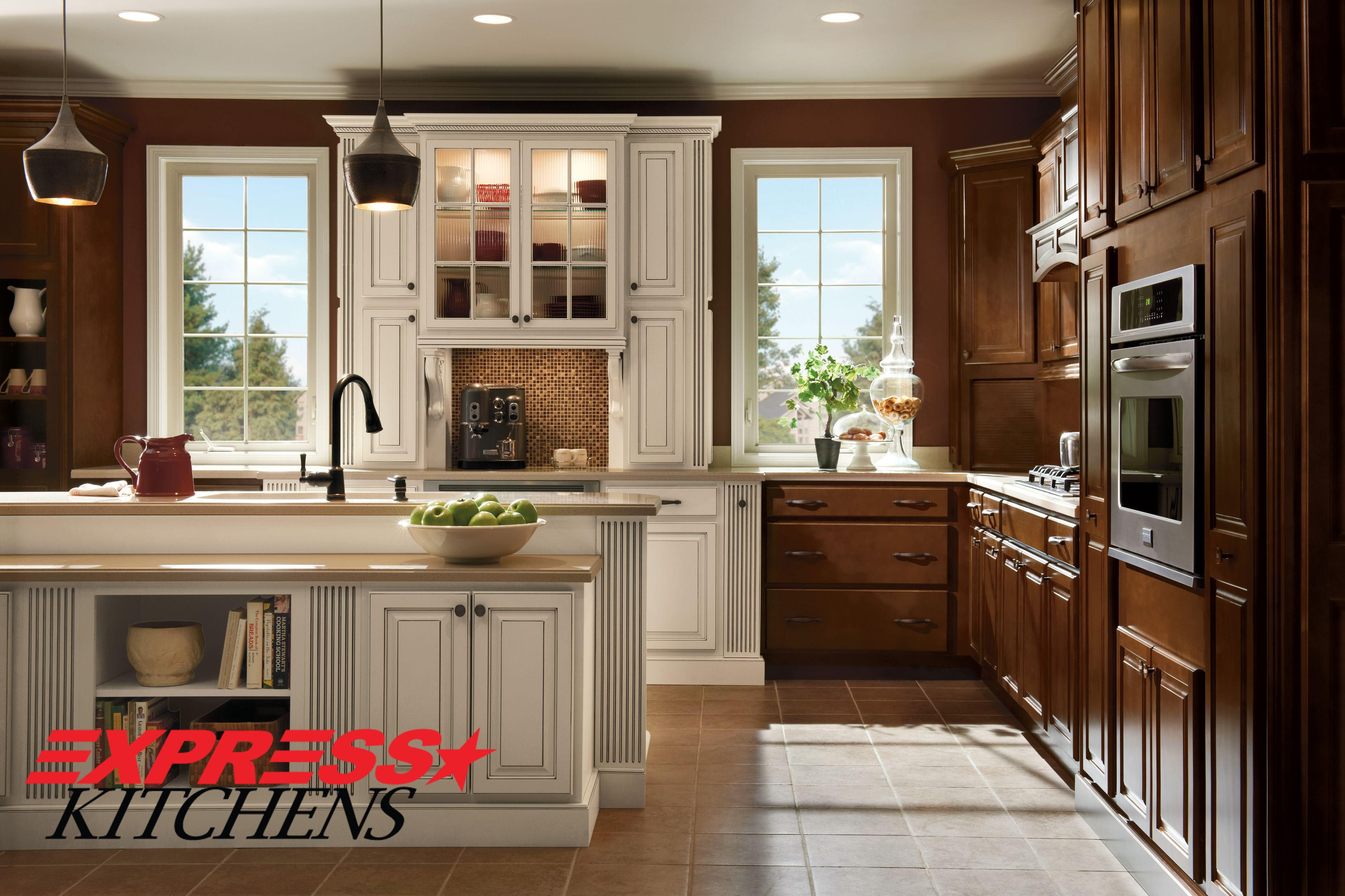 The Name Says It All Premium Solid Wood Plus Traditional Styling For The Timeless Appeal Of Qual Maple Kitchen Cabinets Kitchen Design Kitchen Cabinet Design