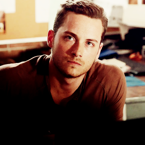 jesse lee soffer ugh nothing sexier... Well unless we see #jessewithapuppy