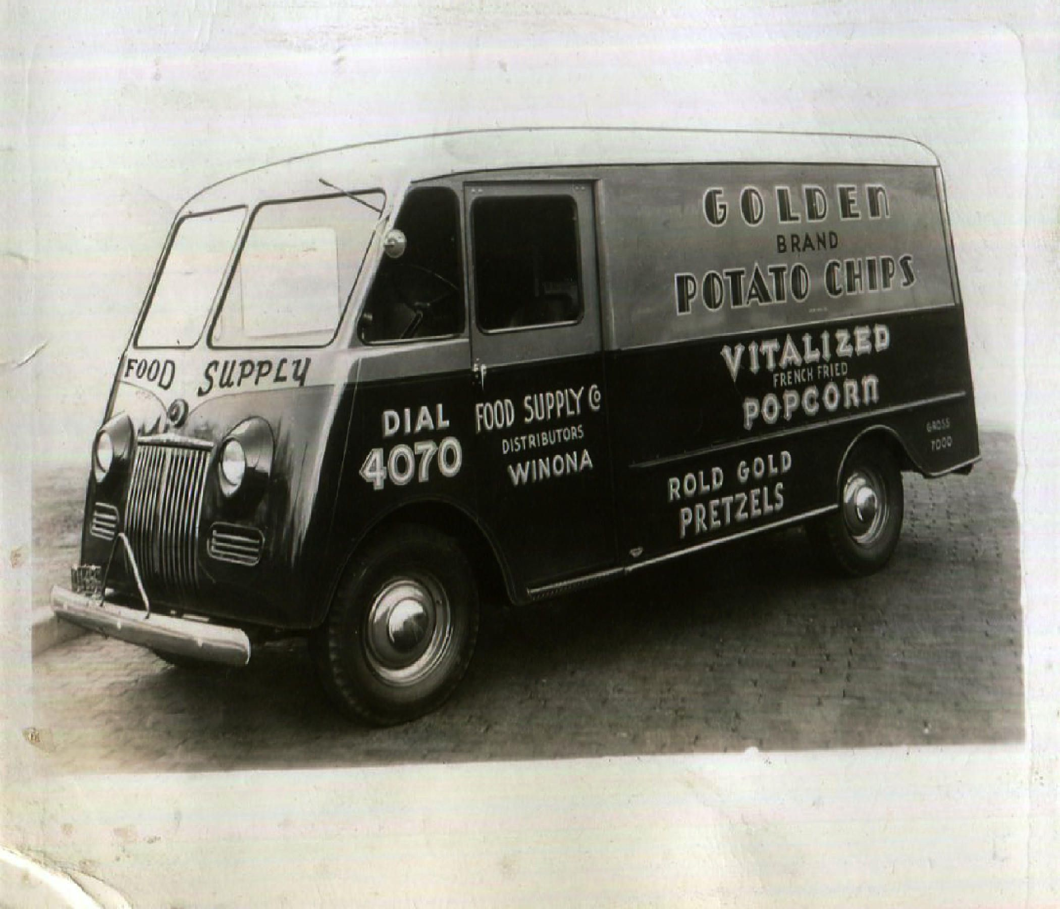 Vintage Photo Of Golden Potato Chips Rold Gold Delivery Van 1930s