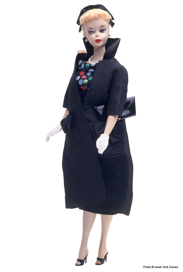 Easter Parade - Shown only in the 1959 booklet, this is one of the three most desirable outfits from the 900 series. (The others are Gay Parisienne #964 and Roman Holiday #968.)