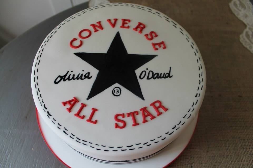 my candy cakes: Converse cake