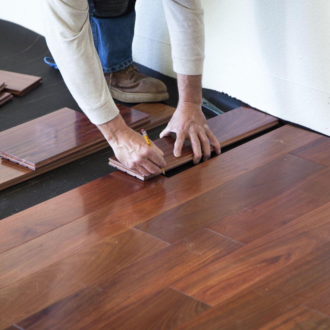 Laminate Flooring Installation Cost Per Sq Ft In 2020 Flooring Refinishing Hardwood Floors Flooring Contractor