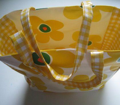 Cute bag made from lola oilcloth | Oil cloth, PUL, Laminate, Vinyl ...