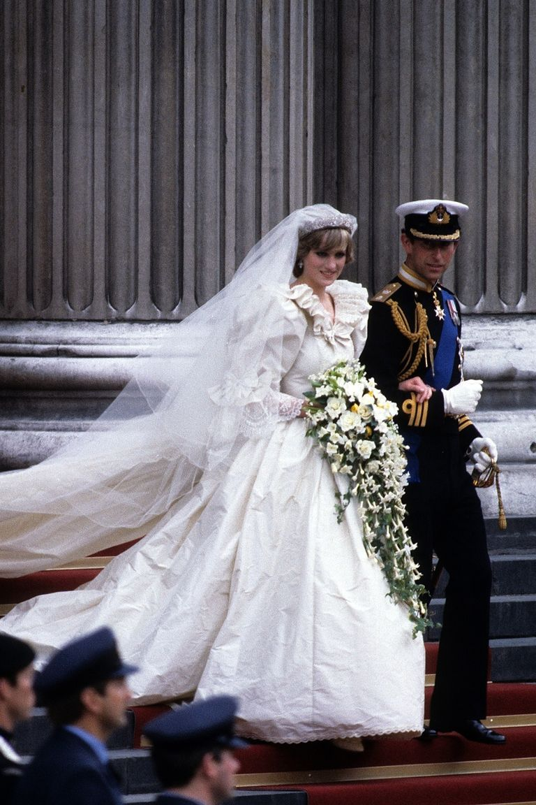 10 Hidden Details You Didn\'t Know About Princess Diana\'s Wedding ...