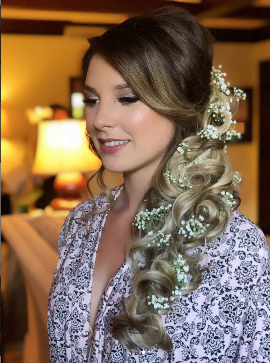 bridal side long hair with baby's-breath | Hair to one side, Hair makeup, Bride hairstyles
