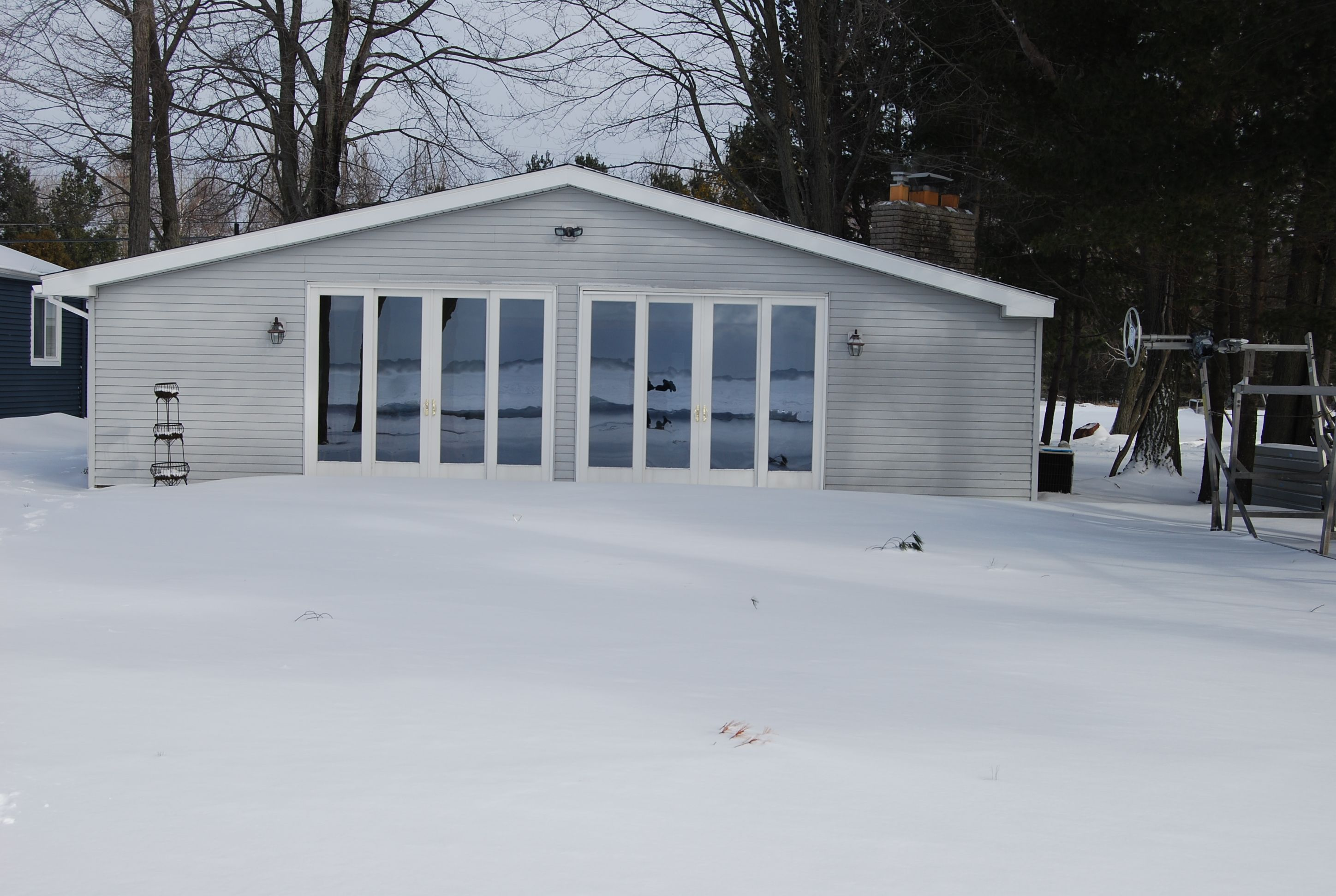 michele lake find lakefront rentals cabin cabins rental townline cottage houghton vacation harrison