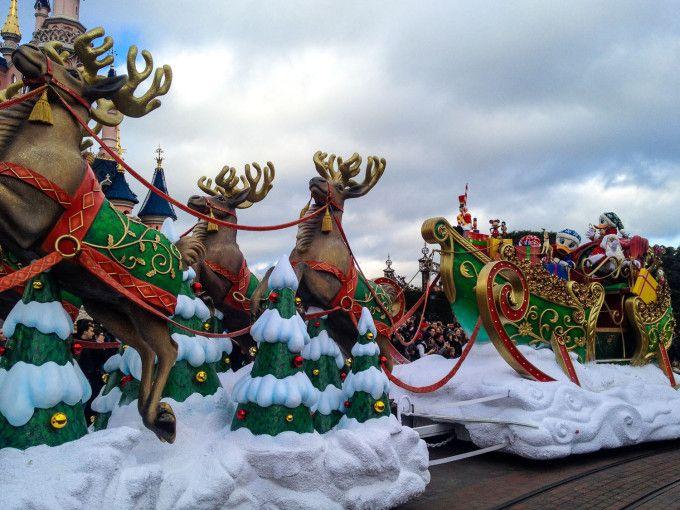 Santa's Sleigh in Disneyland Paris Christmas Parade