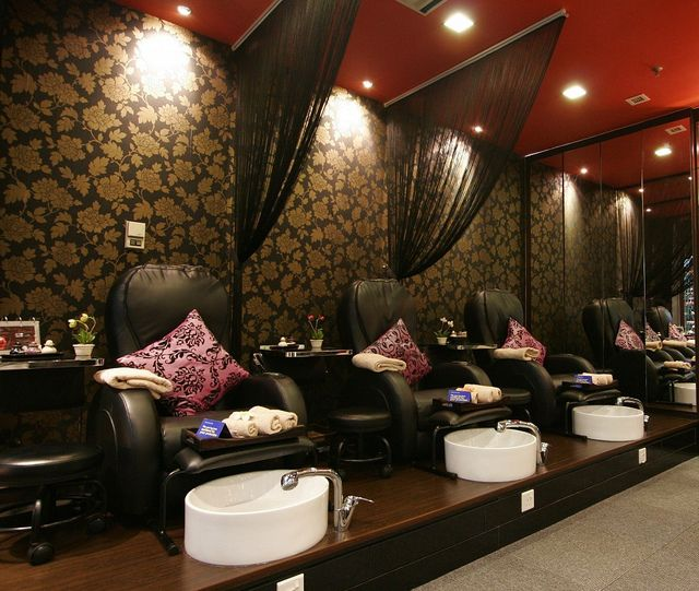 Nails Salon Manicure And Decorating Game For: Mani Pedi Spa Room By AO~Stinggirl, Via Flickr