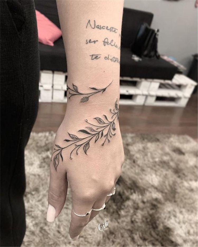 50 Meaningful Wrist Bracelet Floral Tattoo Designs You Would Love