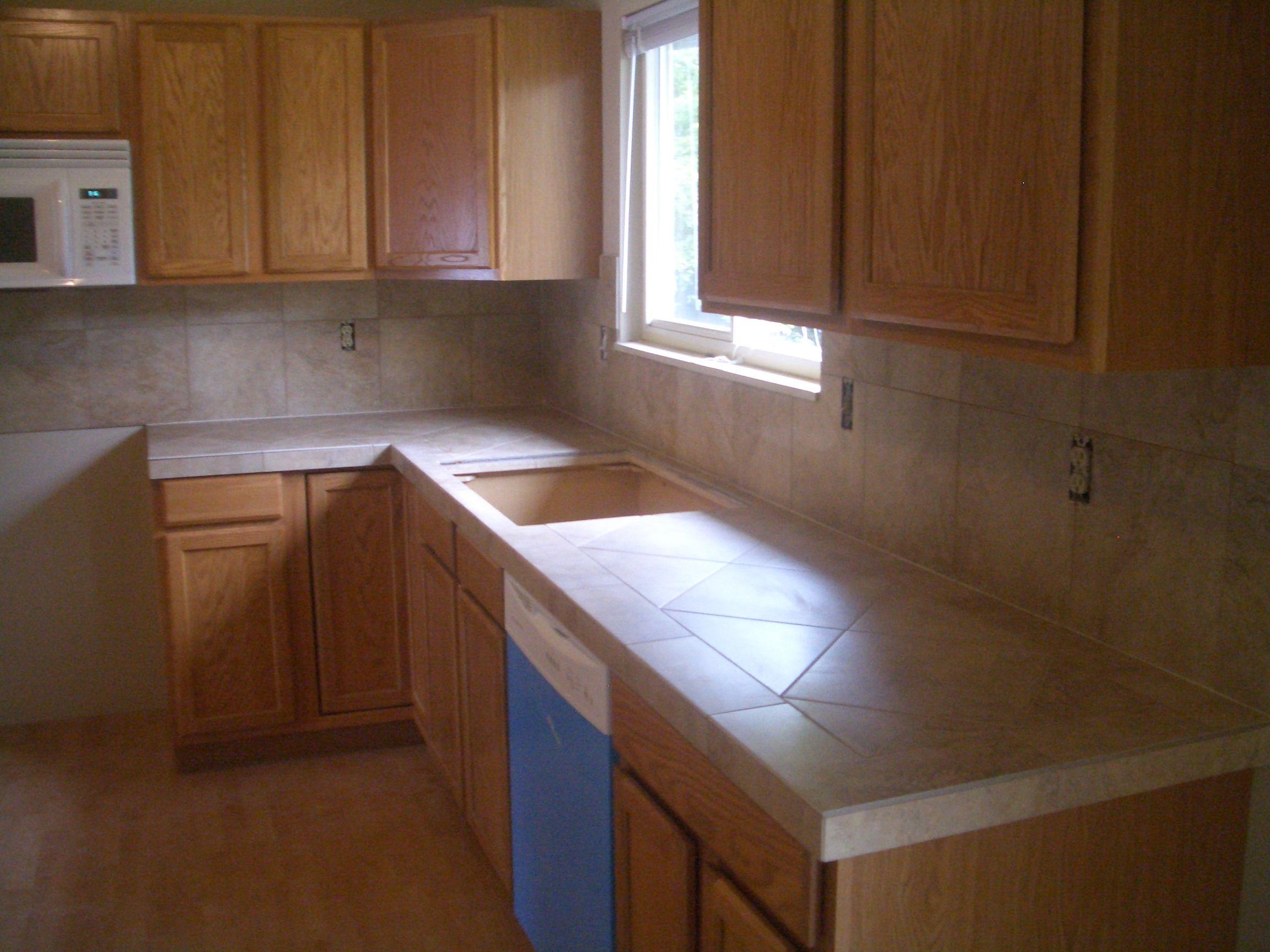 Porcelain Or Ceramic Tile For Kitchen Countertops Kitchen