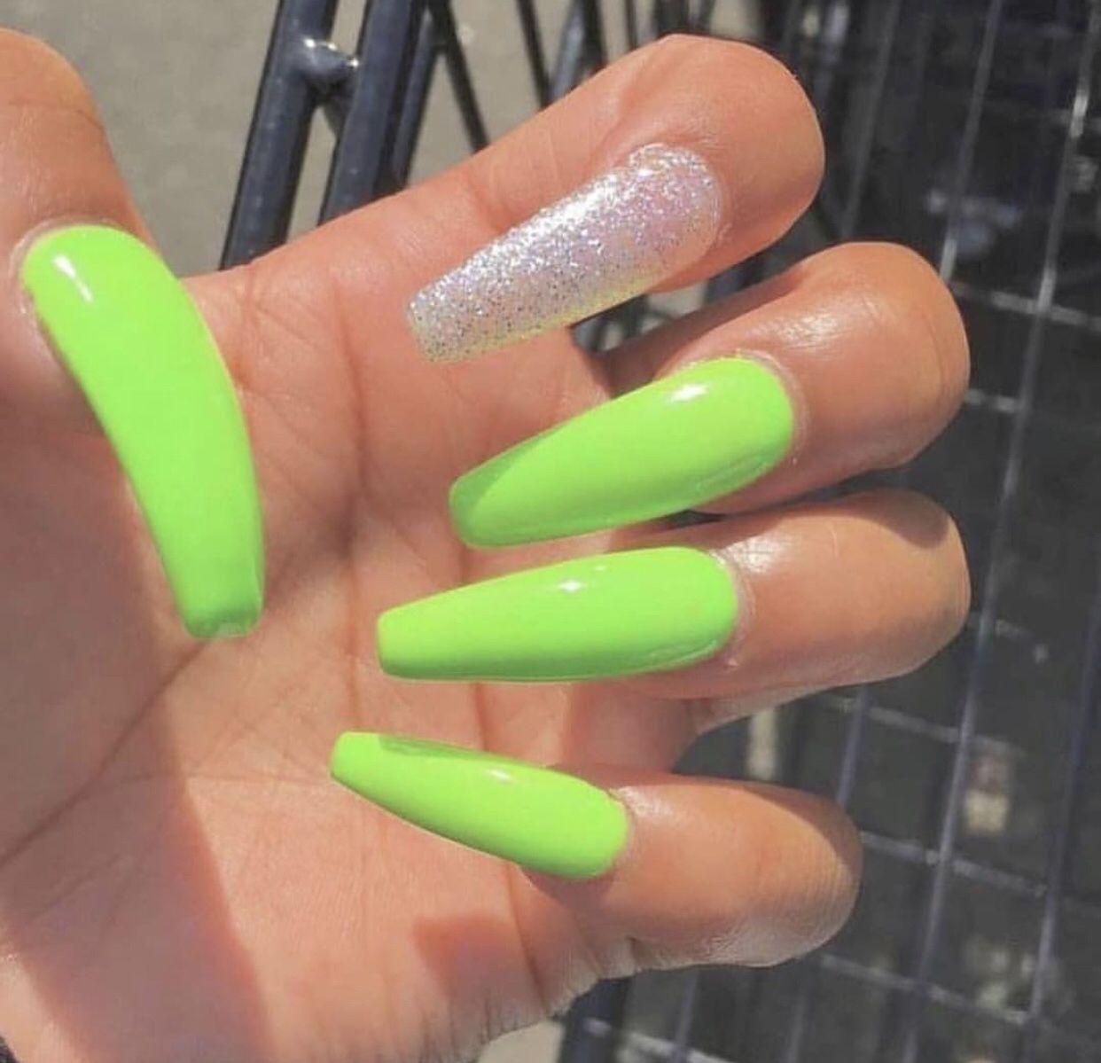 Pinterest Ig Shaylarodneyy Neon Green Nails Green