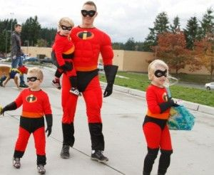 Family of Heroes. A family dressed up as The Incredibles. & Family of Heroes. A family dressed up as The Incredibles ...