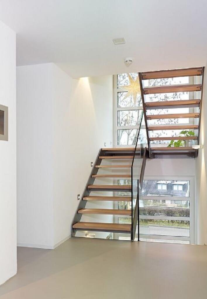 Hausbau Trier innentreppe holz haus trier streif haus offene moderne holztreppe