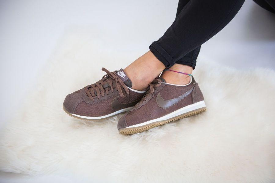 newest collection 67c73 dd8bb Nike - WMNS Classic Cortez Leather Premium (brown) - 833657-200 ...