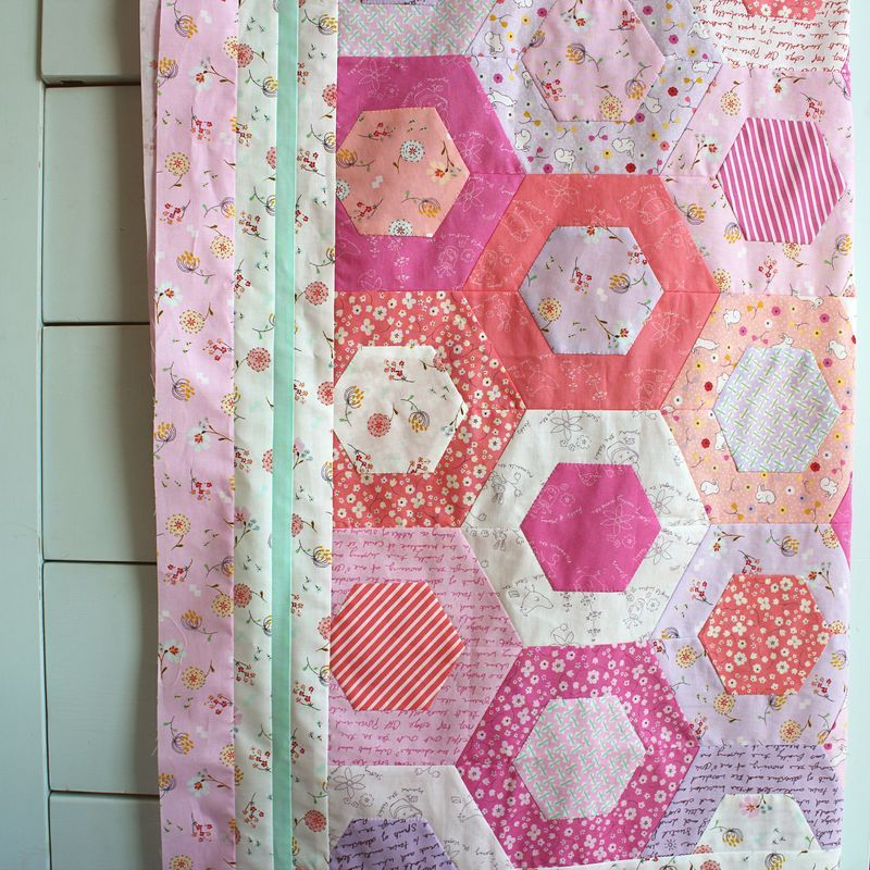 Honeycomb quilt top using Posy