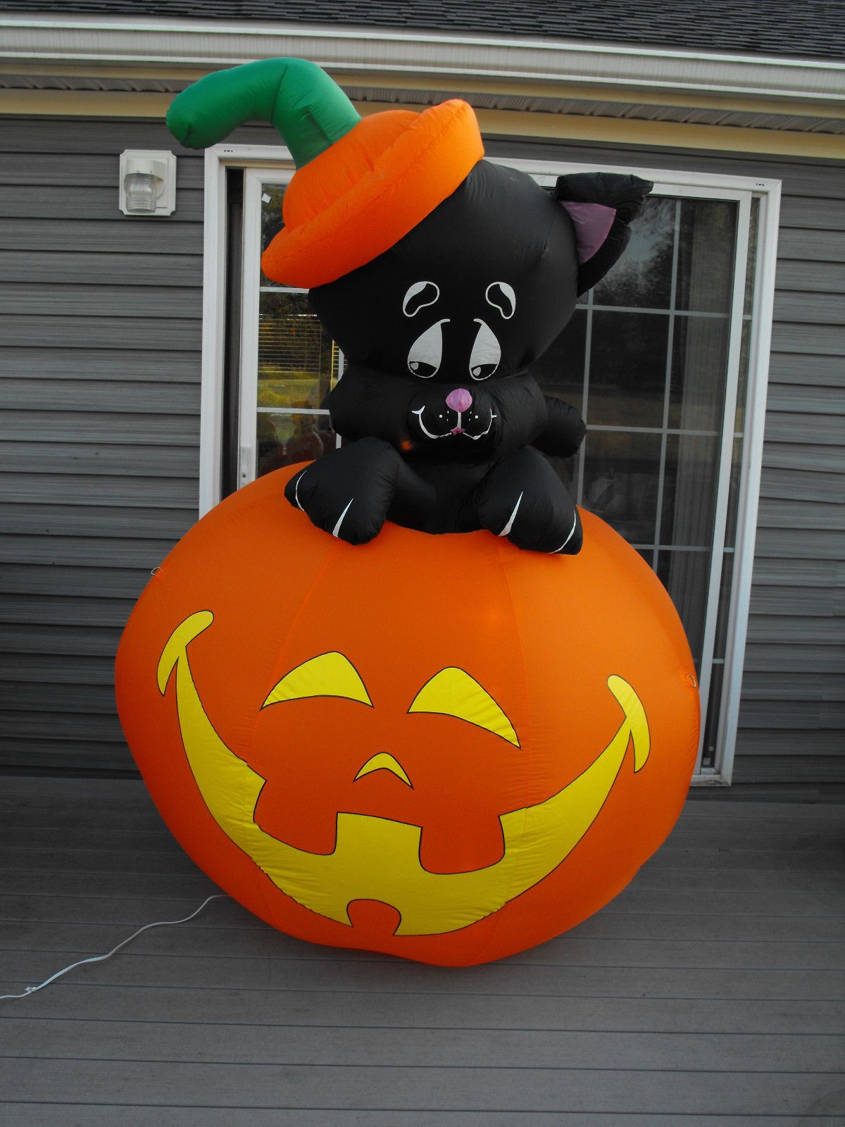 Gemmy Airn Inflatable Lighted 7 Ft Black Cat On Pumpkin Ebay