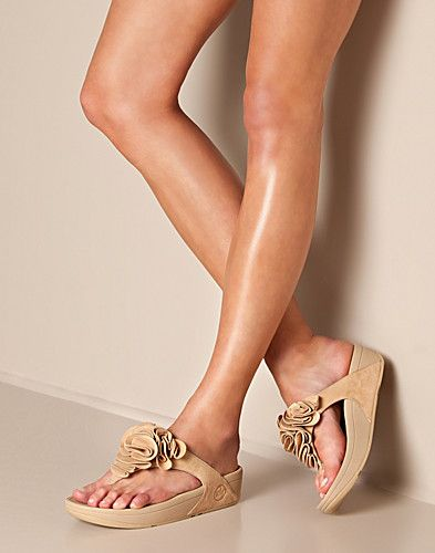 Fitflop, Summer fashion shoes, Fitflop