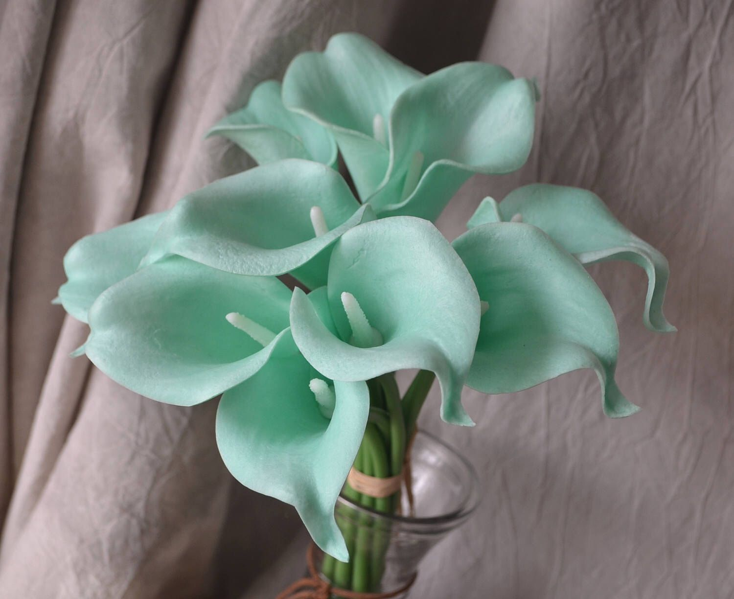 10 Mint Picasso Green Calla Lilies Real Touch Flowers Diy Etsy In 2020 Mint Green Wedding Bouquets Real Touch Flowers Diy Calla Lily