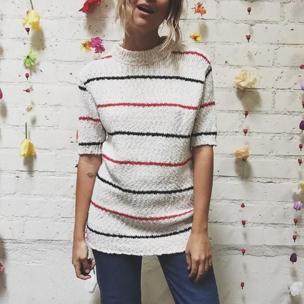 SIZE Medium DETAILS 1970s short sleeve knit, mock neck BRAND Vintage Catalina Martin MODEL5'3CONDITION Great *1116CMAll items have been previously worn unless