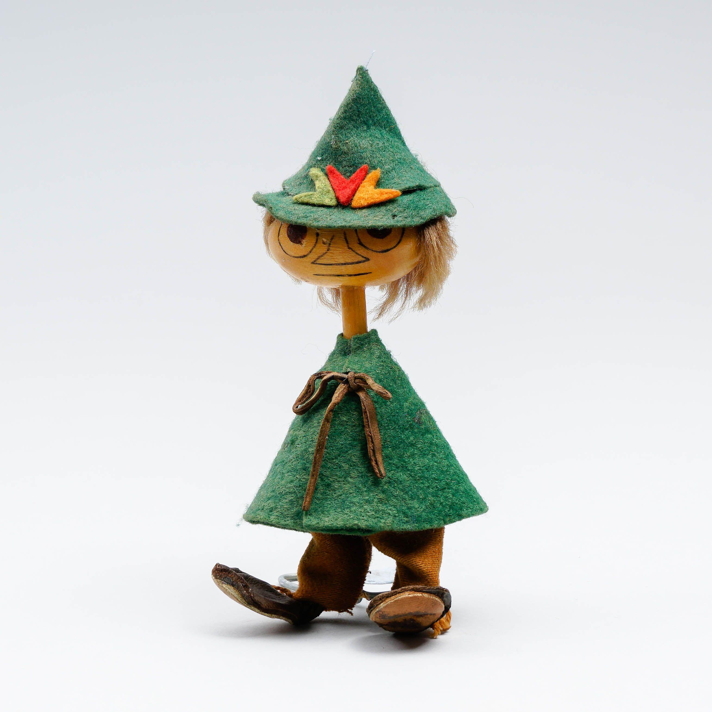 ATELIER FAUNI, Nuuskamuikkunen-figuriini, 1950-1960-luku, k 15 cm, käyttökulumaa, kädet puuttuvat.