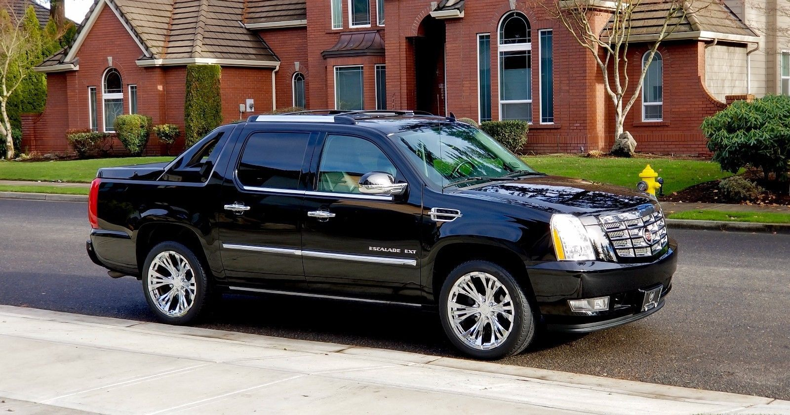 saugus entertainment at escalade mall luxury cadillac video navigation wheel used auto drive cars all dvd