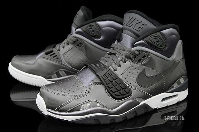 pretty nice 4f17c 20822 NIKE AIR TRAINER SC II (METALLIC BLACK)
