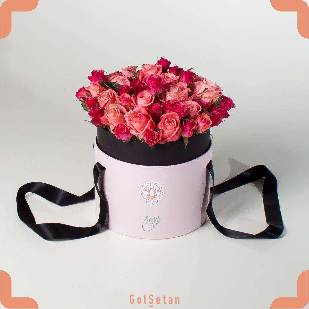 باکس گل رز لبخند Flower boxes, Rose flower, Flowers