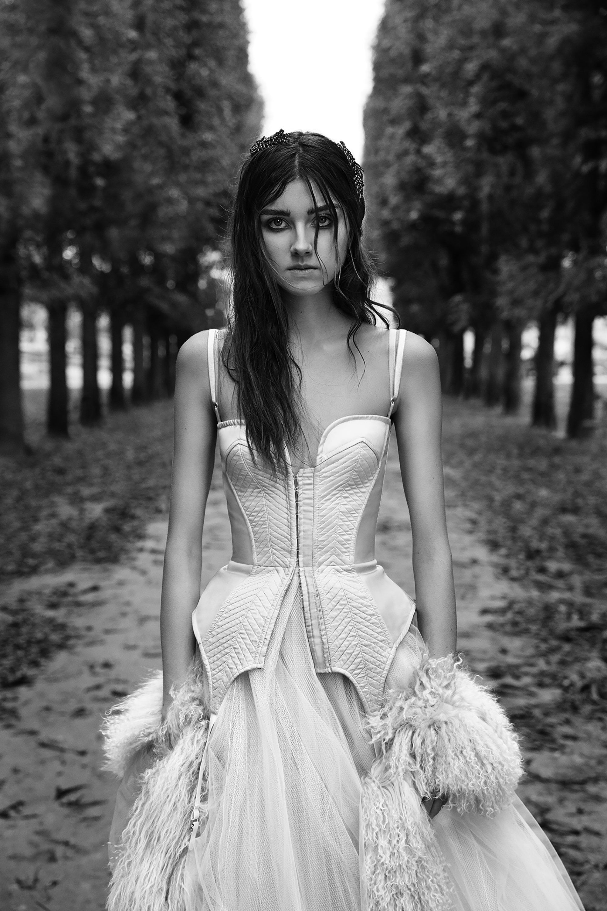 40cb9a32547c1 The complete Vera Wang Bridal Fall 2018 fashion show now on Vogue Runway.