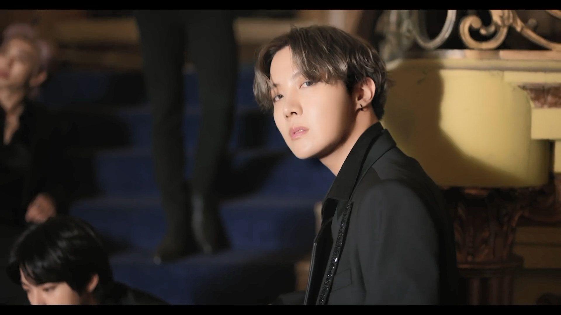 BTS Jhope Black Swan in 2020 Bts j hope, Black swan, Hoseok