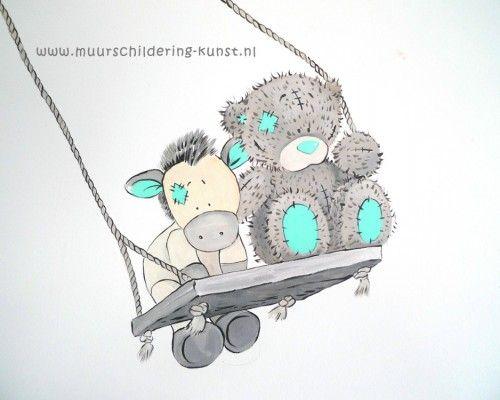 Muurschildering kinderkamer me to you beertje op schommel groen babykamer ideen pinterest - Grijs muurschildering ...