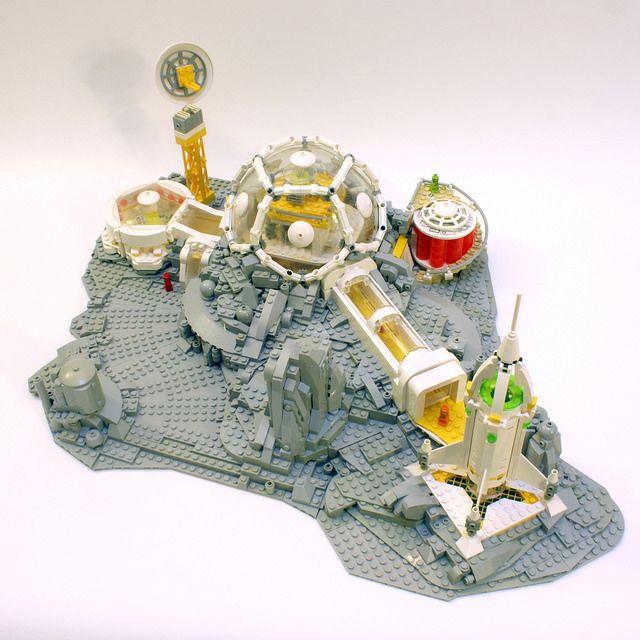 Microfigure Scale Moonbase