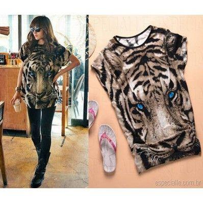 Blusa feminina larga com estampa de tigre