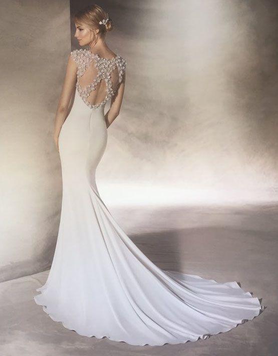 Robe de mari e dos nu pronovias 2017 mariage for Robes de mariage de mariage d automne 2017