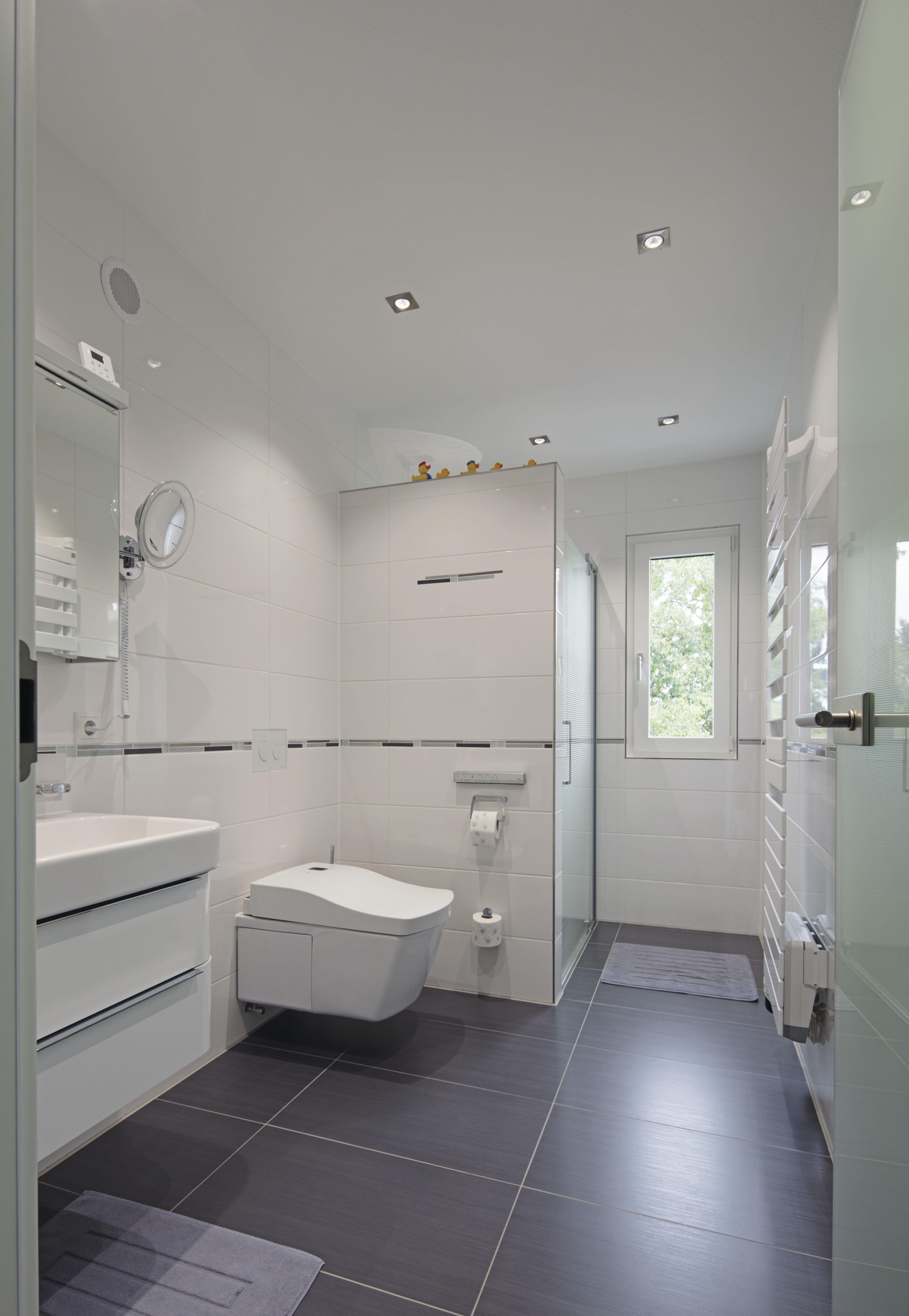 60 Besten Ideen Fur Den Umbau Der Badewanne Im Badezimmer Bathroom Bath In 2020 Badezimmer Renovieren Badewanne Umbauen Badezimmer Innenausstattung