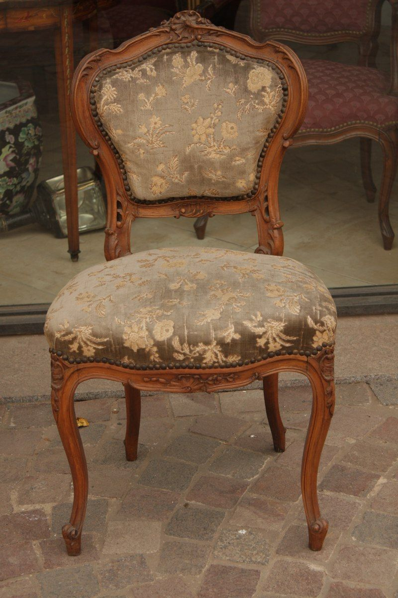 2 sillas antiguas estilo luis xv diferentes for Sofas de estilo ingles