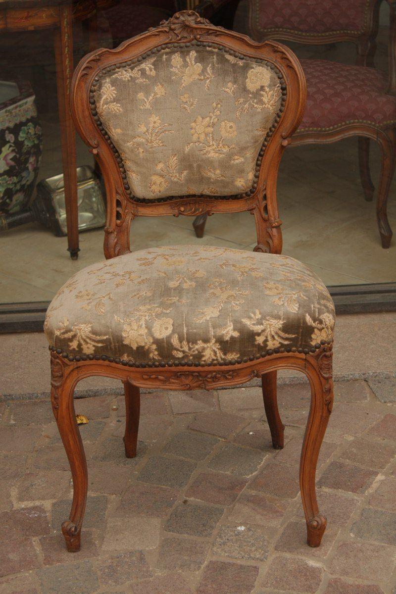 2 sillas antiguas estilo luis xv diferentes for Muebles antiguos luis xv