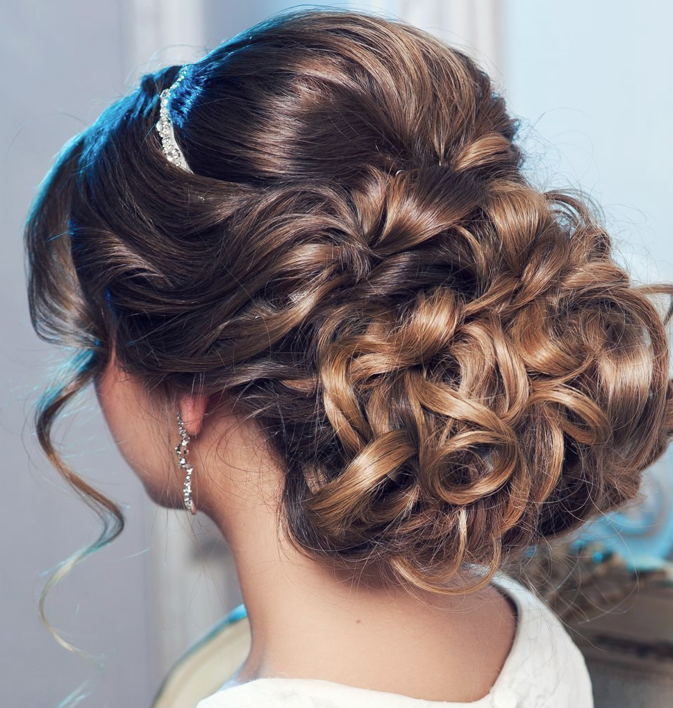 Simple Long Hair Wedding Style For Mother Of Groom In Her 60 S: 21 Classy And Elegant Wedding Hairstyles