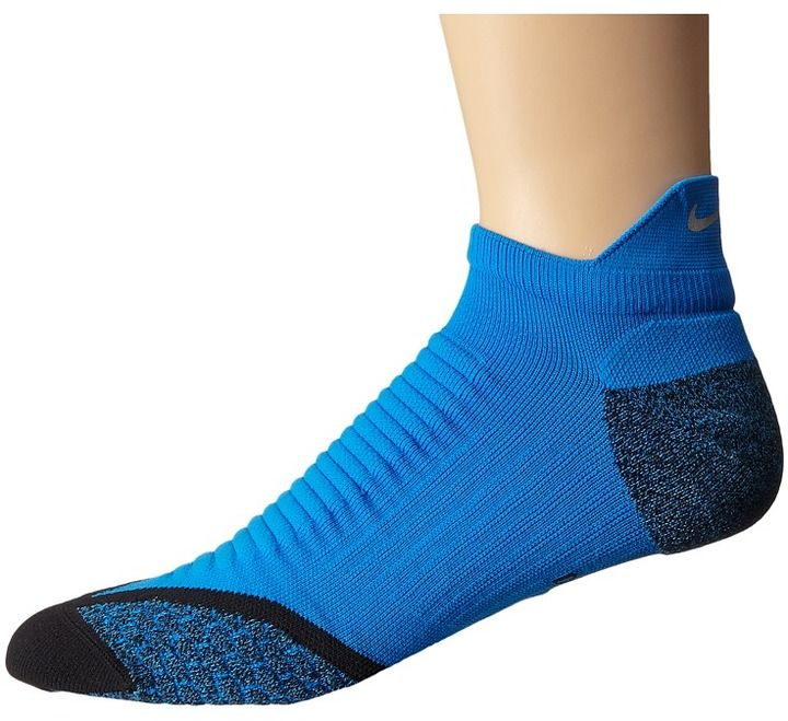 Have comfort in every stride you take with the Nike Elite Running Cushion No Show Tab sock.