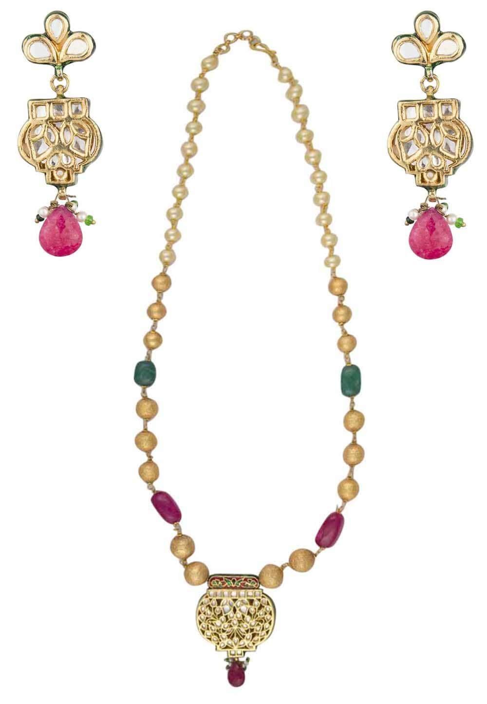 Gold finish kundan studded pendant in beads string necklace set