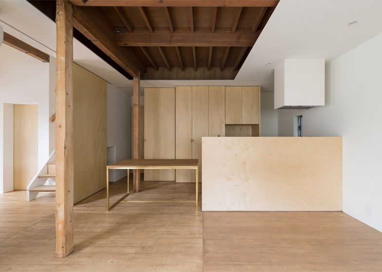 Tsubasa Iwahashi creates stripped-back dwelling for empty nesters