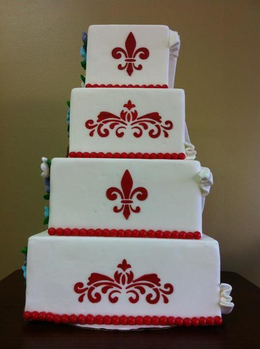 Fleur de Lis Wedding Cake. @blackvelvetp | Wedding Cakes ...