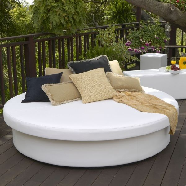 Comfortable Seating Options For Outdoors Outdoor Daybed Patio Daybed Outdoor Bed